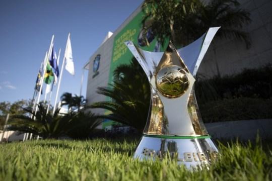 Taça do Campeonato Brasileiro (Foto: Lucas Figueiredo / CBF)