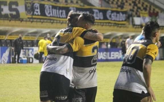 A comemoração do gol da vitória de domingo, contra o Novorizontino (Foto: Celso da Luz / Criciúma EC)