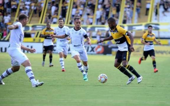 Criciúma x Figueirense, último jogo com público no Heriberto Hülse (Foto: Caio Marcelo / Criciúma EC)