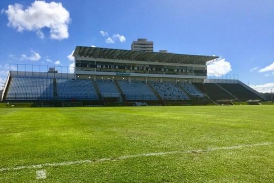 Estádio Frasqueirão recebe ABC x Chapecoense (Foto: Diego Simonetti)