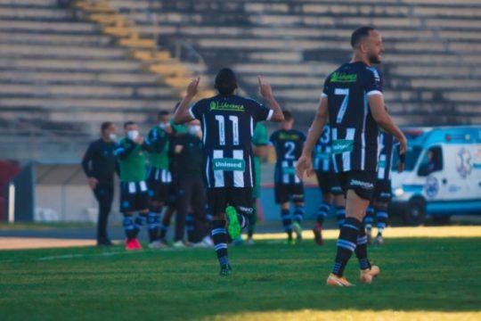 Figueirense chegou a sair na frente, mas tomou o empate (Foto: Patrick Floriani / FFC)