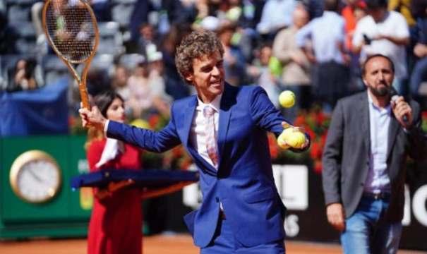 Guga Kuerten, tenista nascido em Florianópolis que se tornou sucesso mundial (Foto: André Boccone / Divulgação)