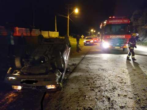 Duas pessoas ficam feridas após acidente na SC-110, em Imbuia