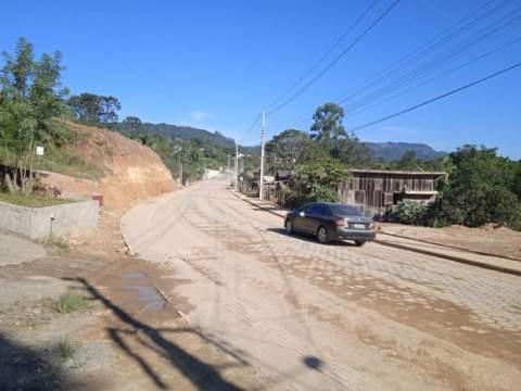Vereadores do MDB de Salete acompanham obras de pavimentação na Rua Vereador Uclideo Crema