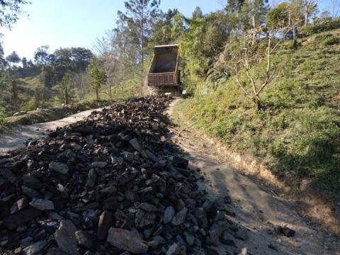 Prefeitura de Taió realiza patrolamento e cascalhamento entre o Passo Manso e a Barragem