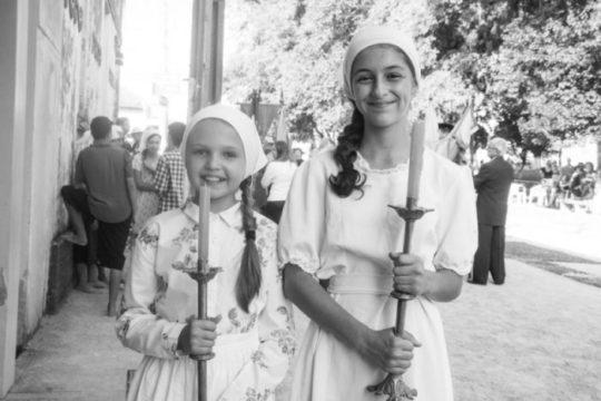 Irmãs Jhulieny e Suieny, que nunca tinham atuado, faturaram prêmios de melhores atrizes (Foto: Cia Boanova Filmes)