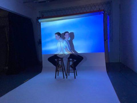 Dupla Casmidt grava videoclipe para novo single (Foto: Vitória de Carvalho da Silva / Divulgação)