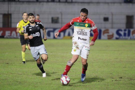 Brusque perde para o Vasco e chega ao seu 12º jogo sem vitória na Série B