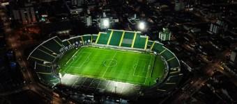 Veja qual a capacidade máxima de torcedores permitida em cada estádio de Santa Catarina