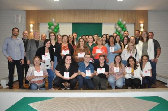 Fusavi entrega placas para 34 colaboradores do Hospital Regional Alto Vale