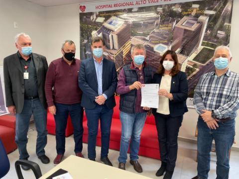 Fusavi entrega projeto da nova torre do Hospital Regional Alto Vale