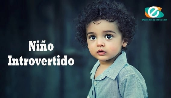 Niño introvertido