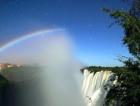Arcoiris lunar o Moonbows, fenómenos naturales