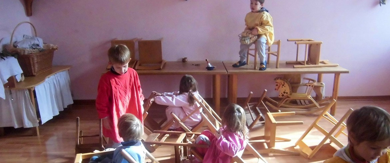 Scula Waldorf Steiner Giardino d'infanzia asilo bambini gioco libero