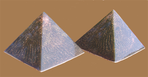 Two Double Obsada Polished Piramidy