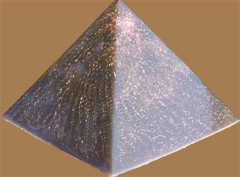 Podwójna obsada Polished Pyramid