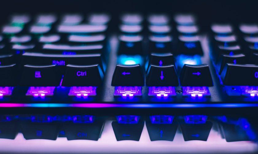 close up photo of gaming keyboard 2115257 scaled