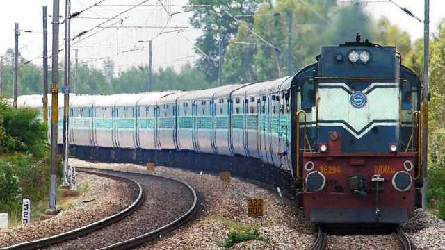 How much does it cost to build a one kilometer railway track