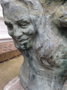 statue-eb0fe