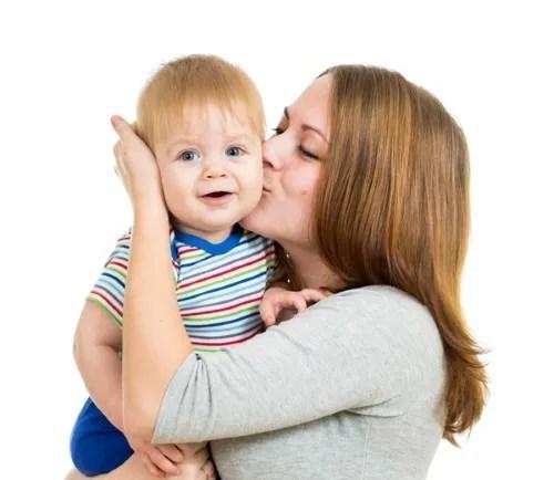 contacto físico y emocional Aprender a Hablar. 10 Trucos para estimular el aprendizaje del habla