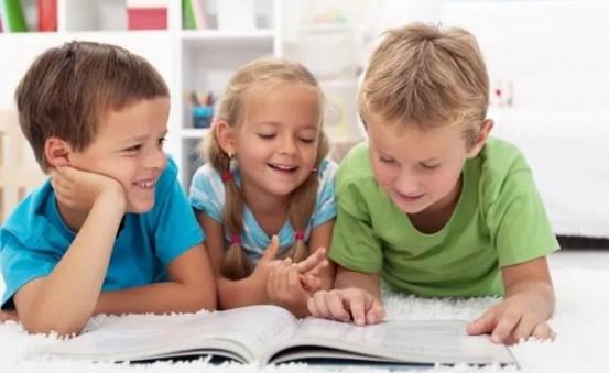 niños con libros 2