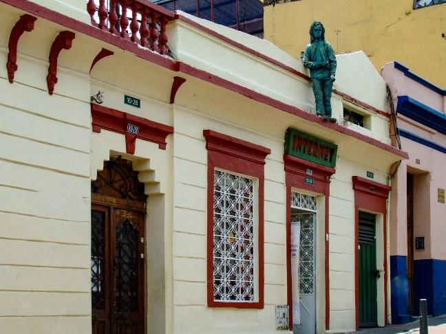 En la fachada Calles de La Candelaria, Bogotá, Colombia