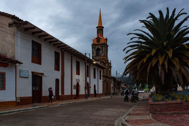Vista a la plaza Santa Sofía, Boyacá, Colombia