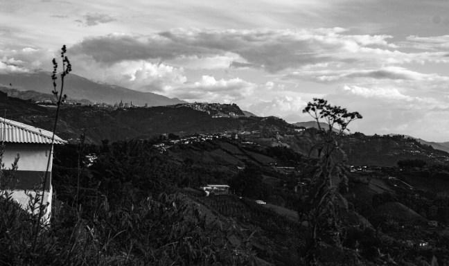 Vista hacia Manizales Pueblo Bonito, Caldas, Colombia