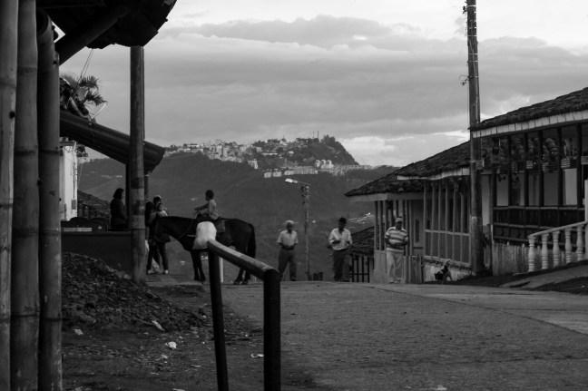 La vereda por la tarde Pueblo Bonito, Caldas, Colombia
