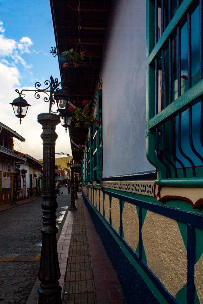 Fachada en azul Guatapé, Antioquia, Colombia