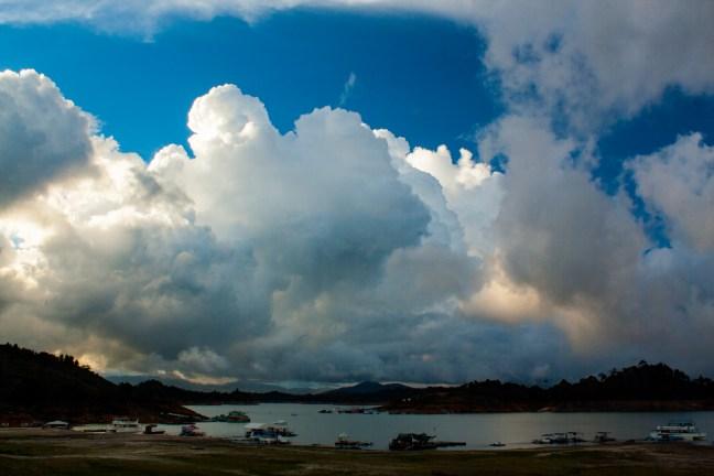 Vista del lago Guatapé, Antioquia, Colombia