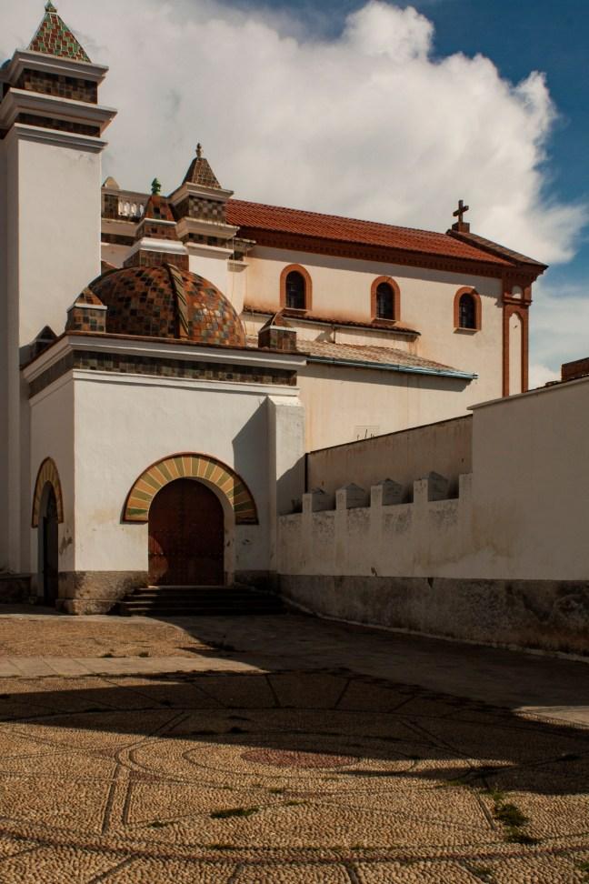 El patio de la Catedral de la Virgen de la Candelaria