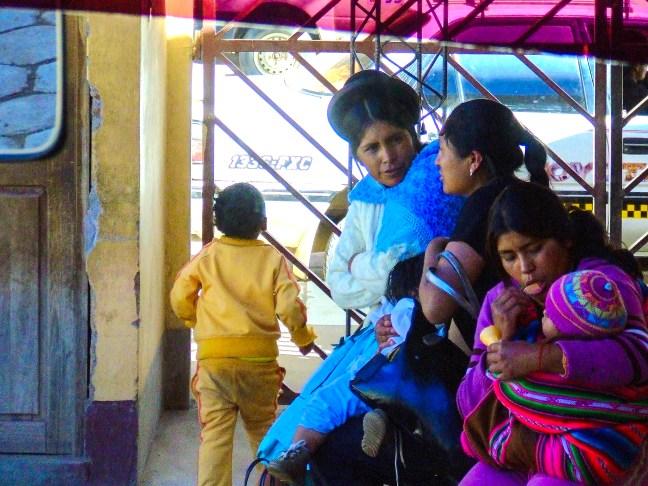 En la terminal de buses Tupiza, Potosí, Bolivia