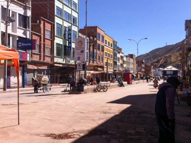 Frontera boliviana Desaguadero, Frontera Bolivia-Perú