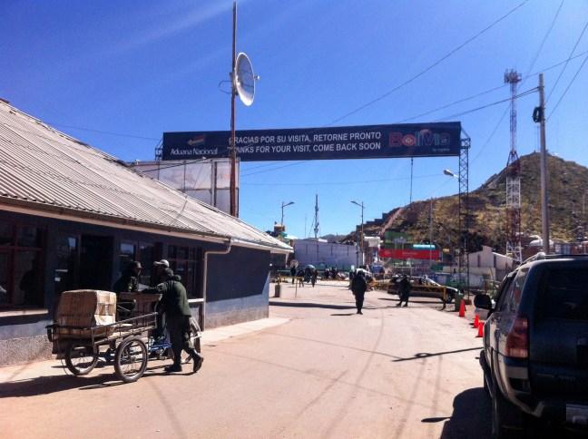 Salida de Bolivia Desaguadero, Frontera Bolivia-Perú