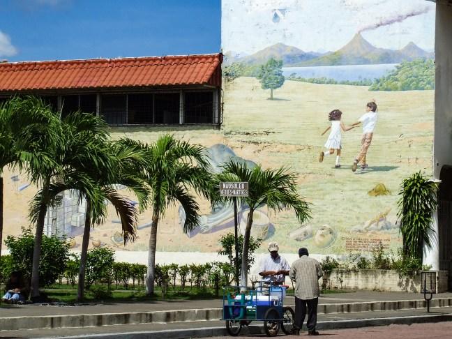 Visión histórica         Parque de Héroes y Mártires, León, Nicaragua