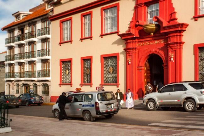 El Palacio de Justicia ciudad de Puno, Puno, Perú