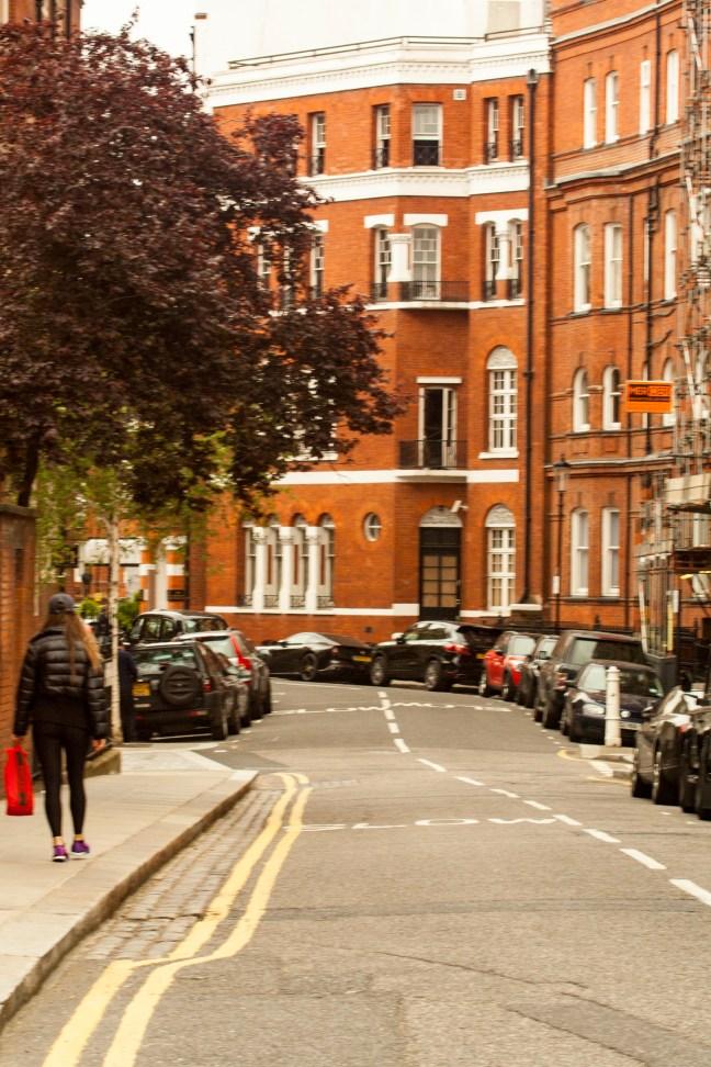 Caminando por la tarde Londres, UK,