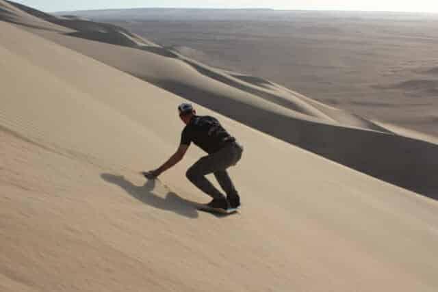 Leren sandboarden ging ook weer van een leien dakje.