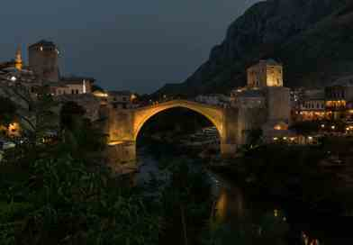 Mostar Stari Bridge by Night foto uit Fotoalbum Bosnië en Herzegovina.