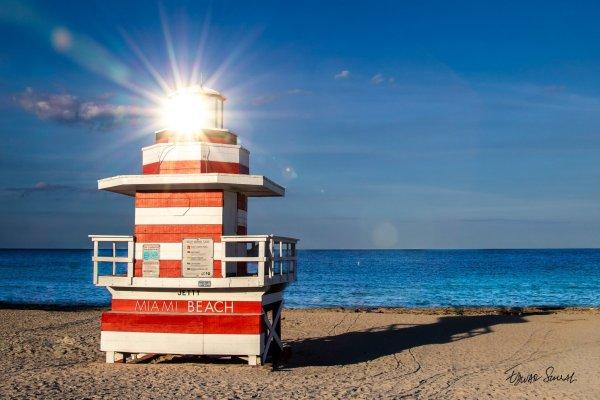 Lifeguard Tower Jetty Sun Glare Left Side Landscape