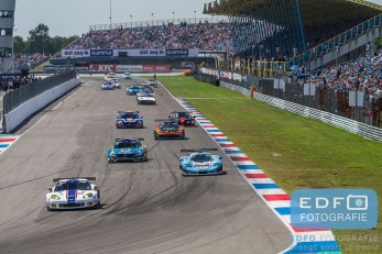 Start Supercar Challenge Super GT en GTB tijdens de Gamma Racing Day op TT-Circuit Assen