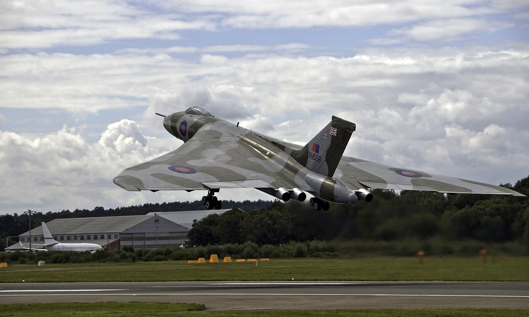 Avro Vulcan XH558 Bomber at Takeoff