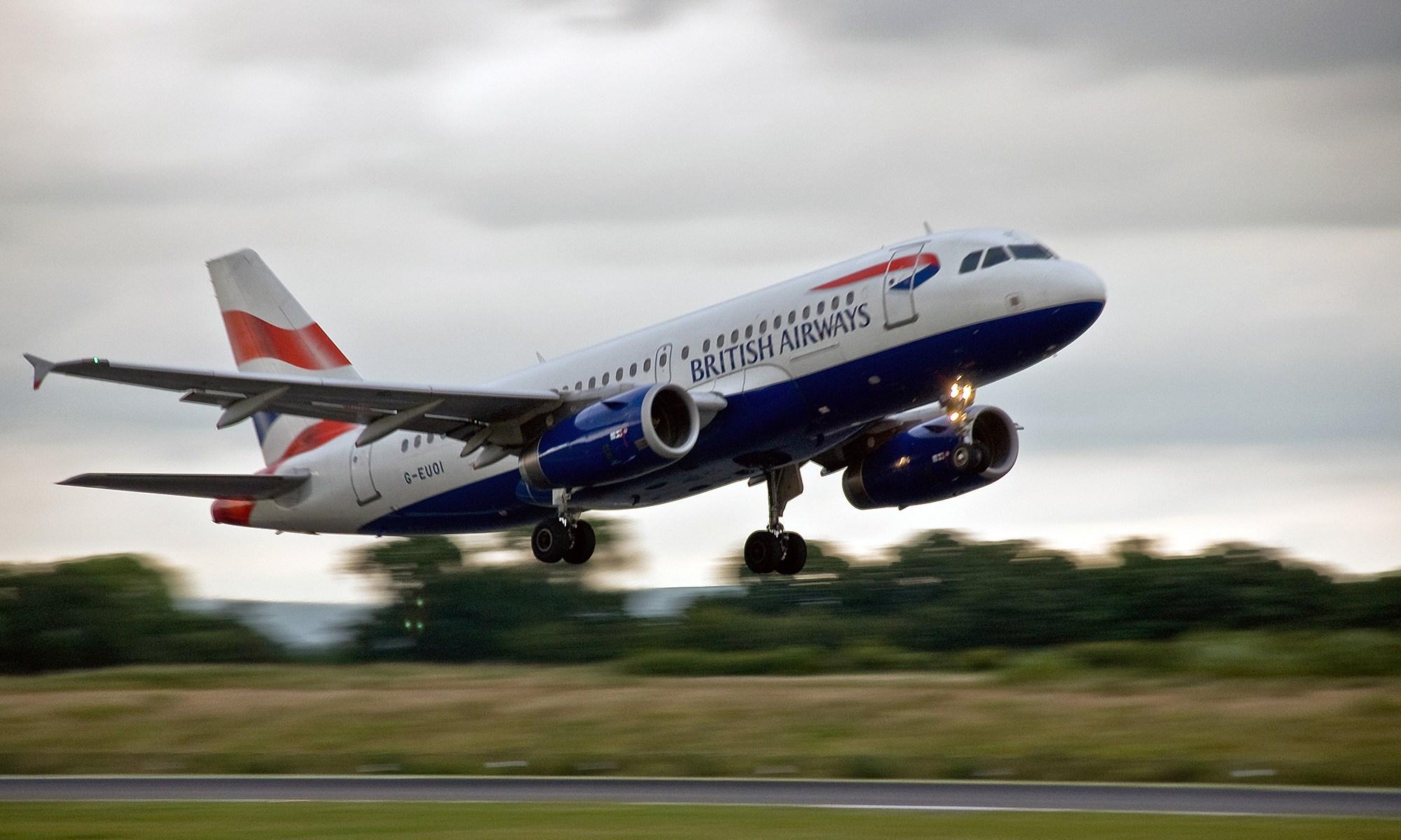 British Airways Airbus A319 taking off