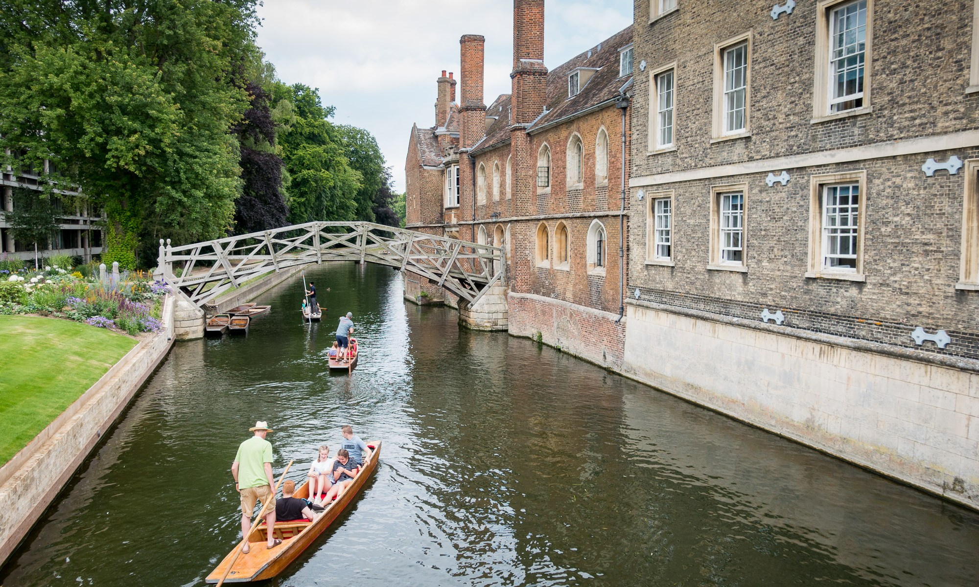 Punting under Mathematical Bridge in Cambridge