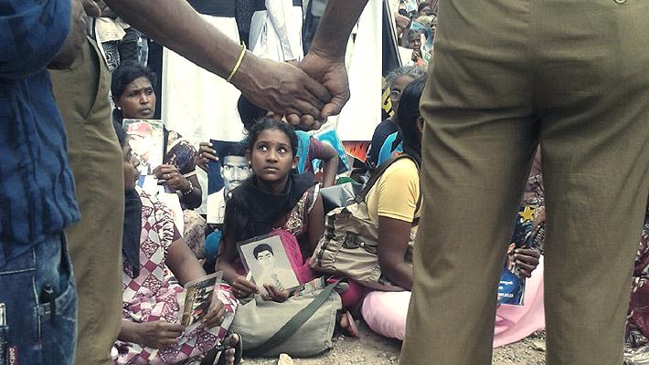 jaffna_protest_2013_Ms Jeyakumari