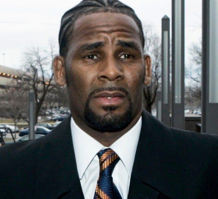 R.Kelly Pleads with the Media to go Easy on Him