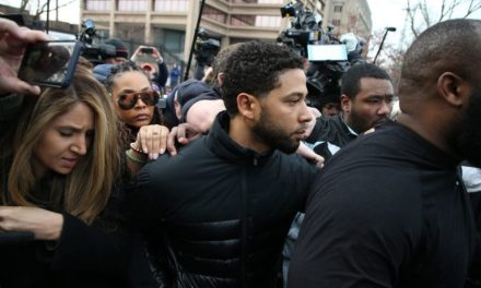 Jussie Smollett makes brief appearance in court