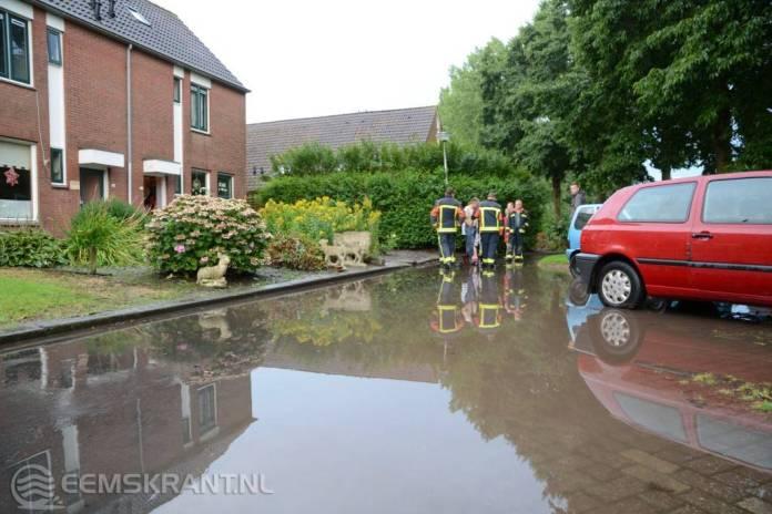 Wateroverlast in Spijk na hevige plensbui