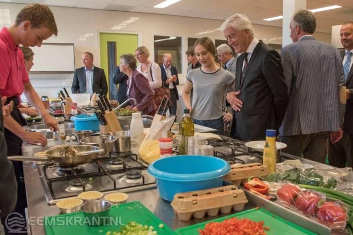 Eemsdeltacollege: VMBO-schooljaar officieel geopend door CdK Max van den Berg